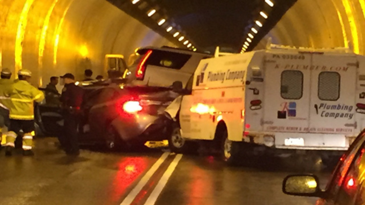 crash brings traffic to standstill inside liberty tunnel wpxi