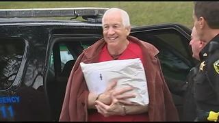 Sandusky argues for new judge, trial