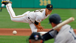 Carter, Yankees jump on Pirates late in 11-5 win
