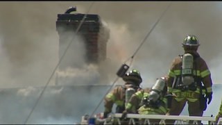 Crews battle smoky fire in Pittsburgh