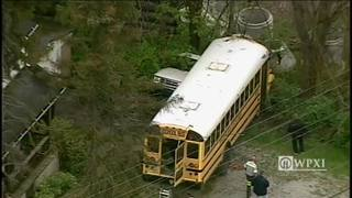 RAW: School bus involved in crash in Elizabeth Township (4/25/17)