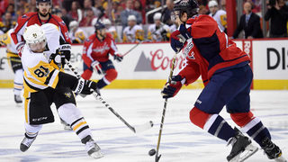 Penguins chase Holtby, beat Capitals to take 2-0 series lead