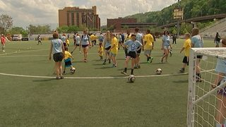 Riverhounds host clinic for children with special needs