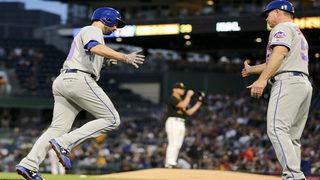 Walker homers twice, deGrom pitches deep, Mets top Bucs 8-1