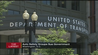 Auto safety groups sue U.S. government