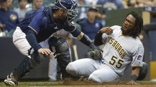 Piña, Broxton, Davies help Brewers top Pirates 3-1