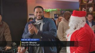 Jerome Bettis hands out hundreds of toys to needy children
