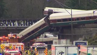 RAW VIDEO: Amtrak derails onto highway near Tacoma