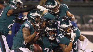 Foles, Eagles fly into Super Bowl, crush Vikings 38-7