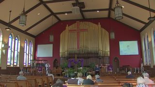 Vigil held in Sewickley for victims of Florida high school shooting