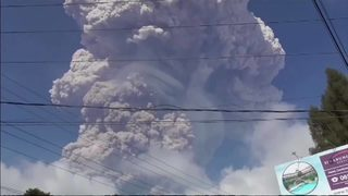 RAW: Volcano erupts in Indonesia