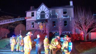 RAW VIDEO: Front River Drive fire