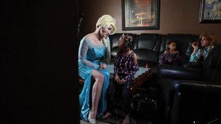 VIDEO: Elsa saves birthday for little girl