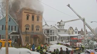 Firefighters battle large apartment building fire in Vandergrift