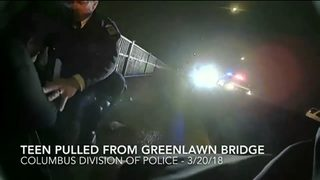 VIDEO: Officers save suicidal teenager