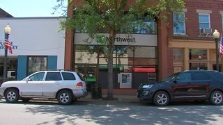 Men tackle bank robbery suspect, hold him until police get there
