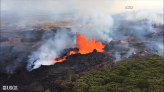 RAW VIDEO: Hawaii eruption sends lava high into the air