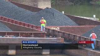 Barges could affect river traffic on holiday weekend
