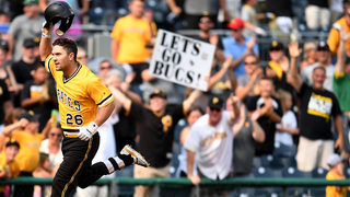 Frazier homers as Pirates top Cubs 2-1 in 11 innings