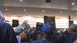 Postal workers rally in Pittsburgh to protest privatization
