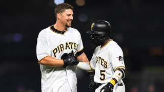 Lavarnway drives in winning run, Pirates top Royals in 11