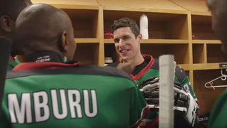 Crosby surprises team from Kenya, joins them for first-ever hockey game