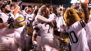Pitt breaks into AP top 25