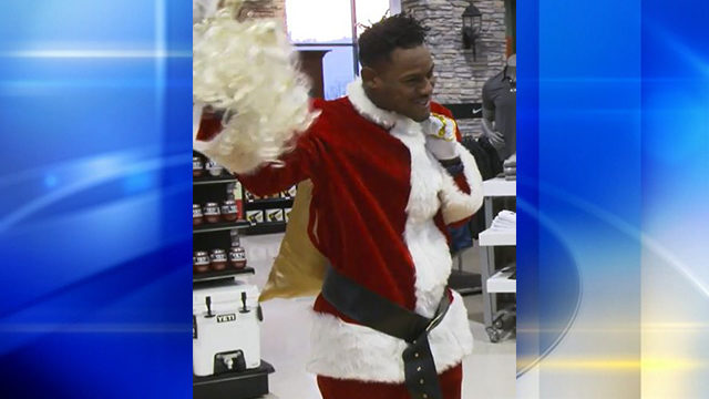 9e1fbf50d54 Last week, Steelers wide receiver JuJu Smith-Schuster went undercover  dressed as Santa Claus to surprise kids from Urban Impact, a youth  organization in ...