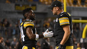 PITTSBURGH, PA - SEPTEMBER 30: Ben Roethlisberger #7 of the Pittsburgh Steelers talks with Antonio Brown #84 during warmups before the game against the Baltimore Ravens at Heinz Field on September 30, 2018 (Photo by Justin Berl/Getty Images)