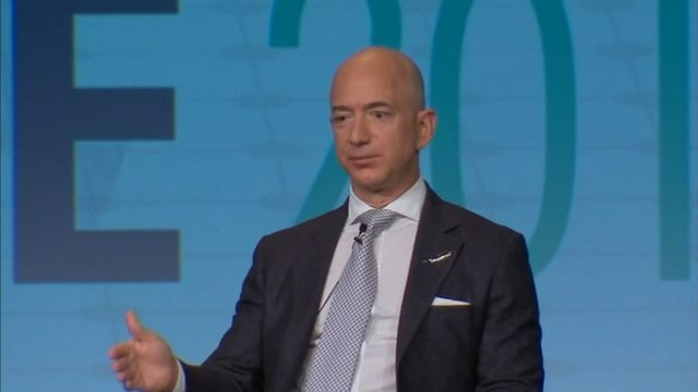Amazon S Jeff Bezos Wife Announce Divorce After 25 Years Of