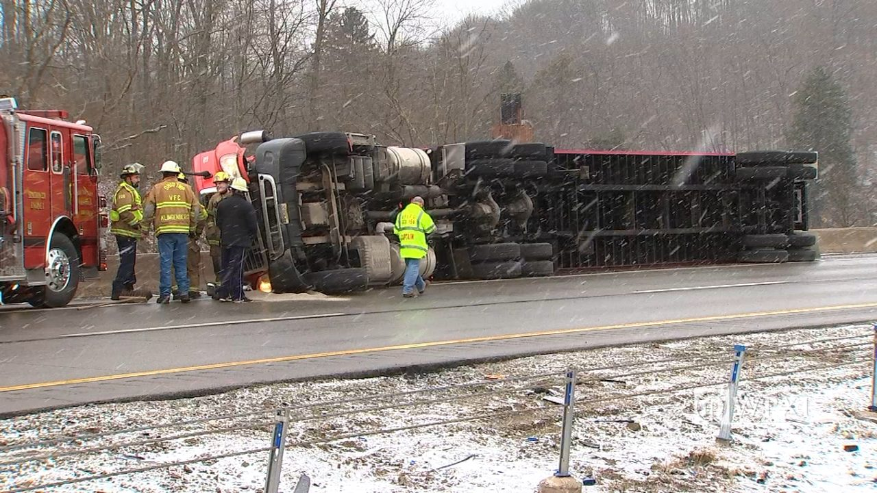 I279 OVERTURNED TRACTOR TRAILER: Tractor-trailer overturns on I-279