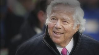Patriots owner Robert Kraft facing prostitution charge in Florida