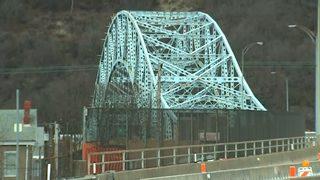 Long-term lane restrictions on Elizabeth Bridge start Monday