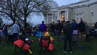 Dozens brave rain for annual Easter sunrise service on Observatory Hill