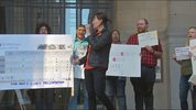 A rally was held on April 22 from Pittsburgh residents opposed to Mon-Oakland transit proposal