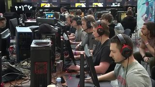 VIDEO: Danish army recruits computer gamers