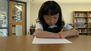 VIDEO: Girl with no hands wins handwriting contest