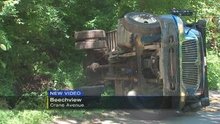 Dump truck overturns in Beechview