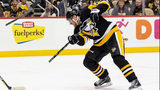Pittsburgh Penguins right wing Patric Hornqvist (72)